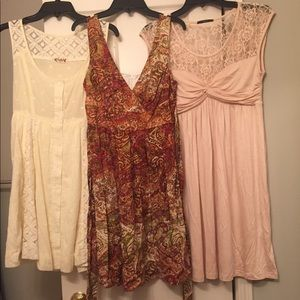 🌟3 for $20🌟Cute Junior Dresses, Sizes M and 3!